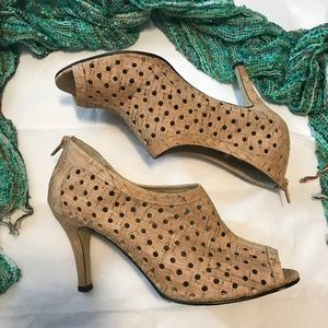 VANELi Cork Peep Toe Zip Back Heels 9.5